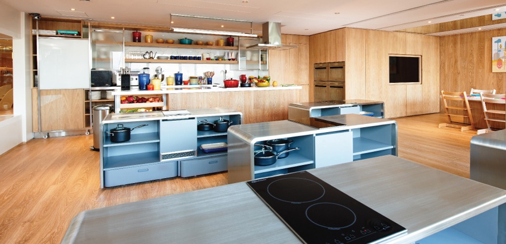 Facilities SPRING : facility kitchen 1 from spring-learning.com.hk size 1024 x 495 jpeg 446kB